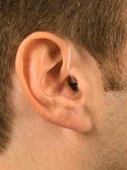 hearing instrument micro behind the ear